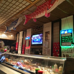 Photo taken at Mo Mo Sushi by Ana H. on 5/10/2014