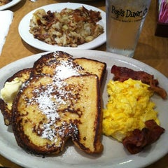 Photo taken at Pop's Diner Co. by Onyx 1. on 12/15/2013
