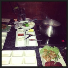 Photo taken at The Melting Pot by Sanedoglady on 3/22/2013