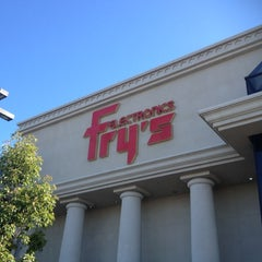 Photo taken at Fry's Electronics by Sam H. on 11/11/2012