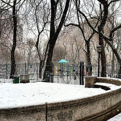 Photo taken at New York Public Library - Seward Park by H d. on 2/22/2015
