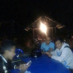 Photo taken at Dusun Bay Restaurant & Cafe by Ikhmal Hakimi on 8/30/2014