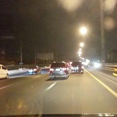 Photo taken at ทางหลวงพิเศษหมายเลข 7 (Motorway No. 7) by Toplet P. on 4/23/2014