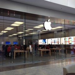 Photo taken at MAC Store by Gary B. on 12/17/2013