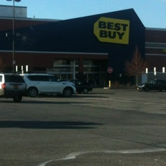 Photo taken at Best Buy by Aaron T. on 1/23/2013