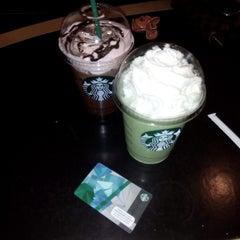Photo taken at Starbucks by Leo N. on 2/8/2015