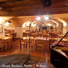 Foto scattata a Cantina Bentivoglio da Lorenzo P. il 12/17/2012