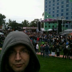 Photo taken at Stir Concert Cove by Jared H. on 9/12/2014