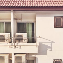 Photo taken at The Great Residence (เดอะ เกรท เรสซิเดนซ์) by Nina H. on 2/6/2014