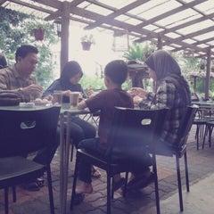 Photo taken at 1981 Rumah Rehat Tapah by SKL M. on 1/24/2013