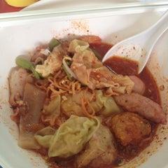 Photo taken at อร่อยเจ๊ปทุม by Tangmo P. on 12/8/2012