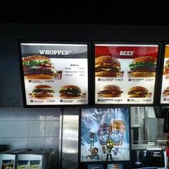 Photo taken at Burger King by Kochadaiiyaan on 5/4/2013