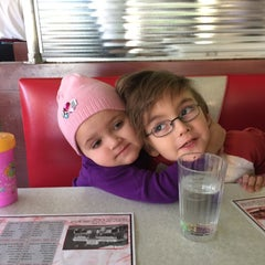 Photo taken at Four Star Diner by Stalyn F. on 12/7/2014