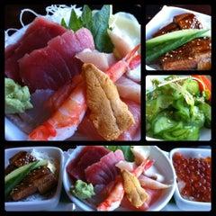 Photo taken at Kanpai Japanese Sushi Bar & Grill by Emileeeeeee S. on 12/19/2012