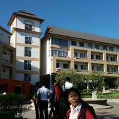 Photo taken at คณะการสื่อสารมวลชน (Faculty of Mass Communication) by parnsatta .. on 11/24/2015