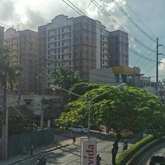 Photo taken at Dr. A. Santos Avenue (Sucat Road) by Bert C. on 8/3/2015