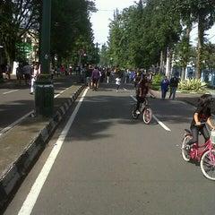 Photo taken at Jalan Ir. H. Djuanda by Handy K. on 5/26/2013