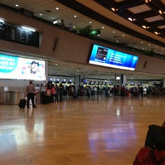 Photo taken at Ninoy Aquino International Airport (MNL) Terminal 1 by Pasquale B. on 7/14/2013