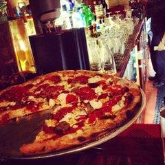 Photo taken at Tony's Pizza Napoletana by Masatoshi T. on 9/29/2012