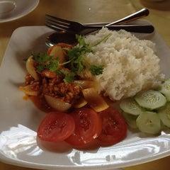 Photo taken at Thanh Niên Restaurant by Aya M. on 9/25/2014