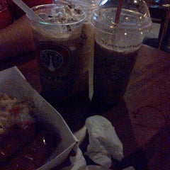 Photo taken at J.Co Donuts & Coffee by Gaestakizawa A. on 6/13/2015