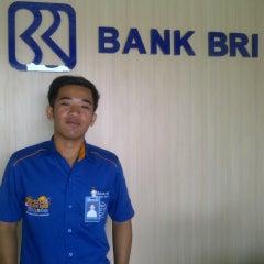 Photo taken at Bank BRI by Tomi W. on 11/22/2013
