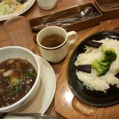 Photo taken at ココス 海浜幕張駅前店 by hir0hik0 k. on 1/16/2015