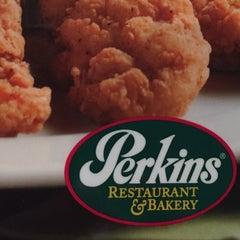 Photo taken at Perkin's Restaurant by Sylvia P. on 5/12/2015
