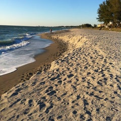 Photo taken at Turtle Beach by Wendy C. on 11/25/2012