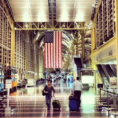 Photo taken at Ronald Reagan Washington National Airport (DCA) by jeanaymeri on 9/11/2013
