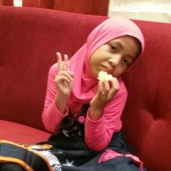 Photo taken at Pizza Hut by Nurul H. on 5/16/2015