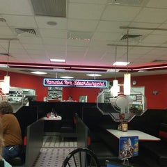Photo taken at Steak 'n Shake by Mustard L. on 4/27/2014