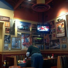 Photo taken at Red Robin Gourmet Burgers by Mustard L. on 5/1/2013