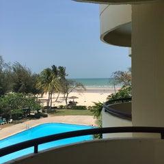 Photo taken at โรงแรมสวนบวกหาด (Beach Garden Hotel Cha-am) by ARASAA♡ on 4/12/2016