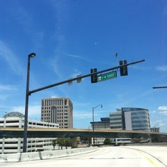 Photo taken at Interstate 4 & FL State Route 408 by rocío aracelis ú. on 5/26/2013