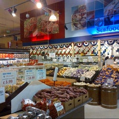 Photo taken at H Mart by DTourist  F. on 12/14/2012