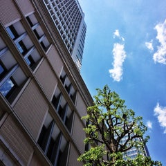 Photo taken at 丸の内ビルディング (丸ビル) / Marunouchi Building by STSNG on 5/12/2013