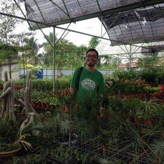 Photo taken at Chip Seng Trading by Kukulkan A. on 12/29/2013