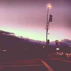 Photo taken at Lexus of Glendale by Petar M. on 11/11/2012