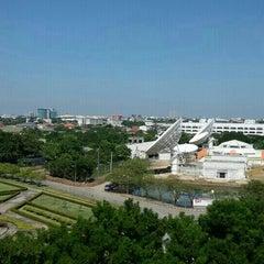 Photo taken at ศูนย์โทรคมนาคมนนทบุรี (Nonthaburi Telecommunication Center) by Phoenix N. on 5/7/2015