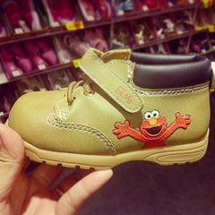 Photo taken at Payless ShoeSource by Lydia T. on 3/5/2014