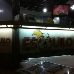 Photo taken at Esquilo Sanduiches BurgerMaxx by Valdemar S. on 3/26/2013