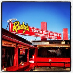 Photo taken at Rudy's Country Store & Bar-B-Q by Jody F. on 7/3/2013
