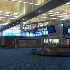 Photo taken at Springfield-Branson National Airport (SGF) by Tess D. on 1/28/2013