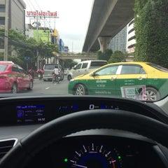 Photo taken at ถนนสุขุมวิท (Sukhumvit Road) by Mickey M. on 10/12/2015