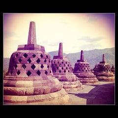 Photo taken at Candi Borobudur (Borobudur Temple) by Ryant A. on 4/24/2013