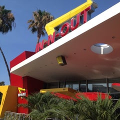 Photo taken at In-N-Out Burger by Nora G. on 7/19/2013