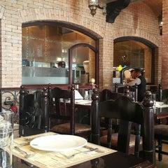 Photo taken at Samad Iraqi Restaurant مطعم صمد العراقي by 3lawy .. on 3/10/2015