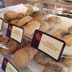 Photo taken at Buttercelli Bakeshop by Jason G. on 4/25/2015