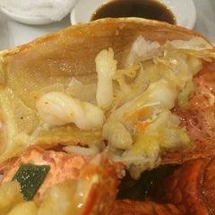 Photo taken at Golden Century Seafood Restaurant by Daewook Ban on 3/28/2014